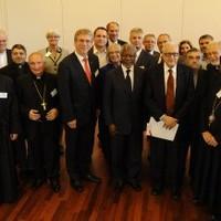 Participantes en una consulta sobre la crisis siria en el Instituto Ecuménico de Bossey, Suiza.