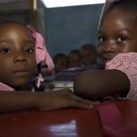 Niñas en una escuela de Haití, 2010. © Catianne Tijerina/CMI